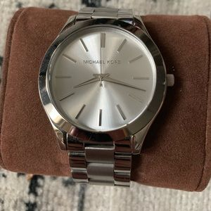 SILVER MICHAEL KORS WATCH WITH BOX